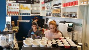 Tazza Caffe: Interior