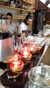 Siphon coffee brewers