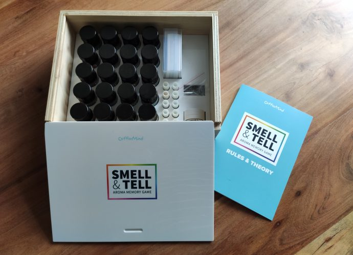 Smell and Tell game logo